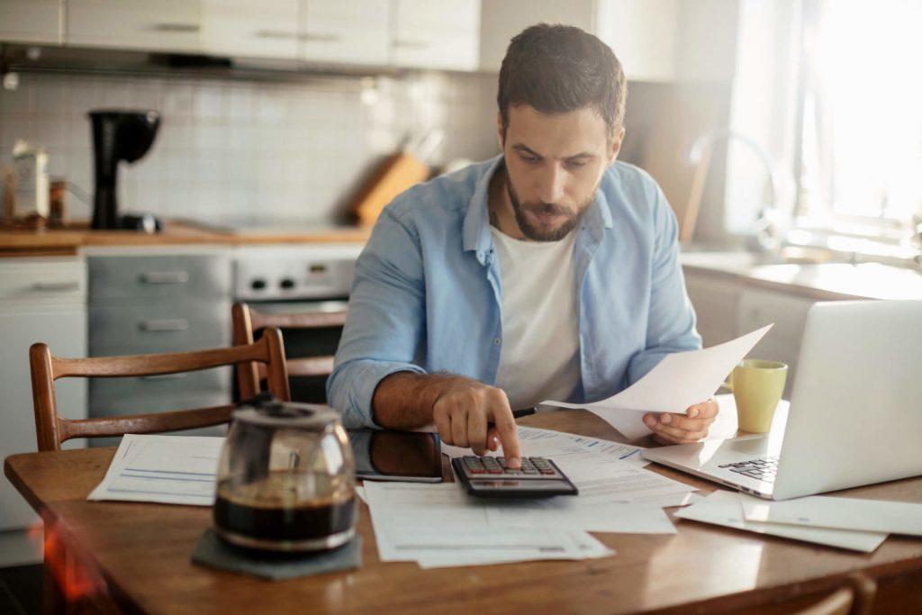 Organização Financeira: veja 8 passos para organizar suas finanças! - Foto: BHS