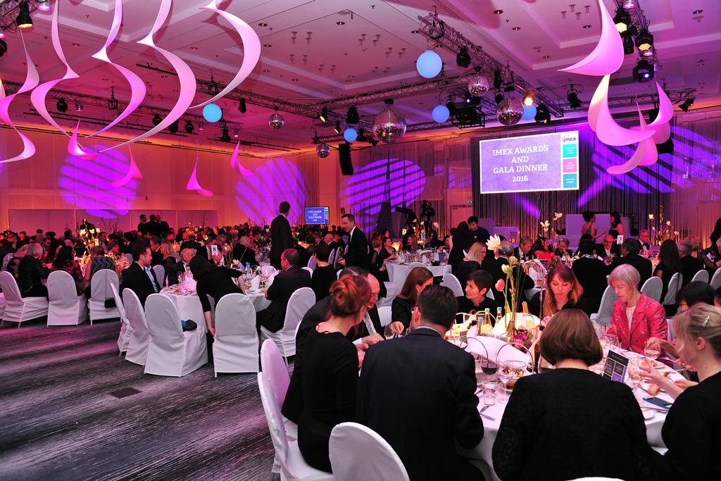 Eventos corporativos: veja o que são e saiba quais são os mais comuns! - Foto: DE MAS